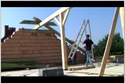 Budowa więźby dachowej.