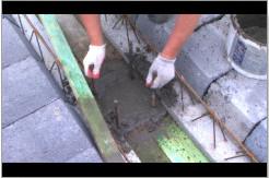 Zagęszczanie betonu.