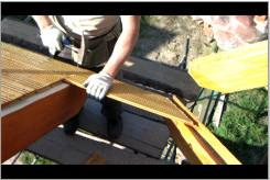Montaż podbitki dachowej.