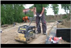 Czym zasypać fundamenty.